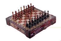 Размер 500*500, высота 100. Шахматная доска и фигуры вырезаны из мягких пород де